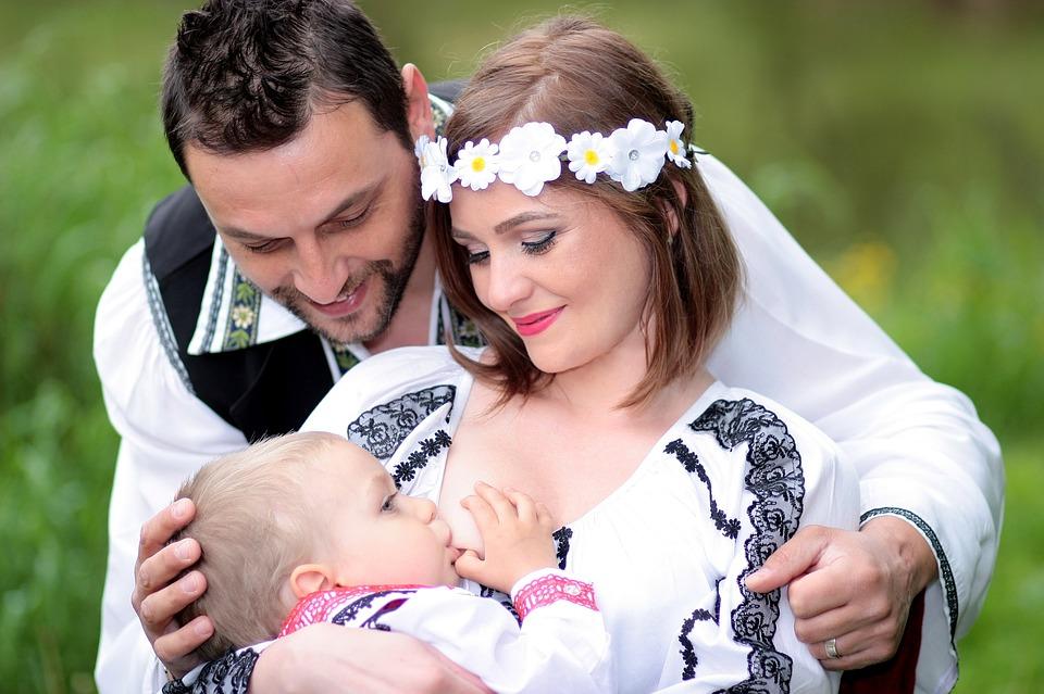Az igény szerinti szoptatásról a baba igényei tükrében