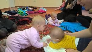 Három egyidős baba, három különböző genetika, háromféle temperamentum. A normális sokféle!